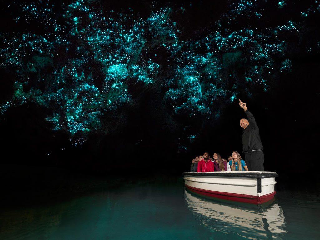 waitomo-caves-glowworms-from-boat_1024x768